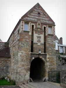 Saint-Valery-sur-Somme - Upper town (medieval town): Nevers gateway