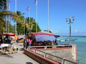 Sainte-Anne - Market on the promenade of the seaside resort