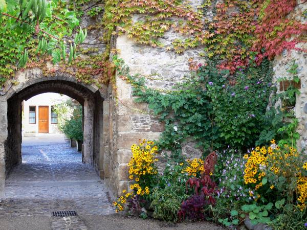 Sainte-Eulalie-d'Olt - Tourism, holidays & weekends guide in the Aveyron