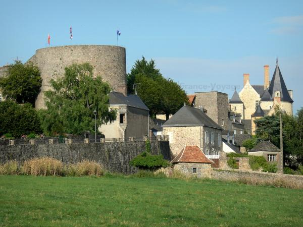 Sainte-Suzanne - Building of the castle, towers and houses of the medieval town