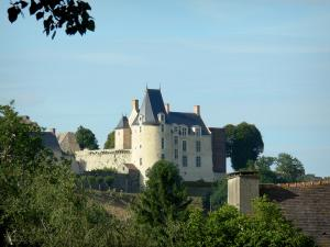 Sainte-Suzanne - View of the Sainte-Suzanne castle: Fouquet de la Varenne lodge home to the Architecture and Heritage Interpretation Centre (CIAP)