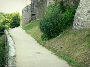 Sainte-Suzanne - Walk along the Poterne promenade