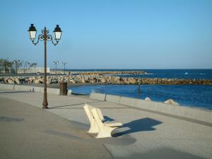 Saintes Maries De La Mer Tourism Holiday Guide