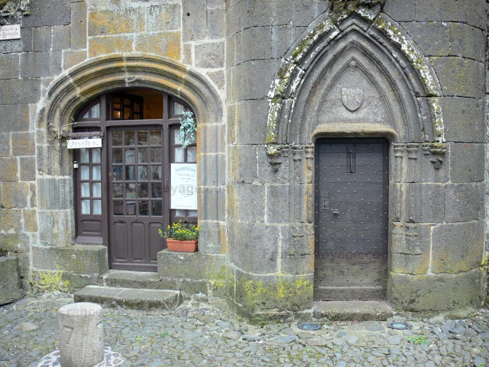 Photos salers guide tourisme vacances - Office du tourisme salers ...