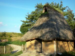 Samara Park - Reconstruction of a prehistoric environment (Bronze Age): house