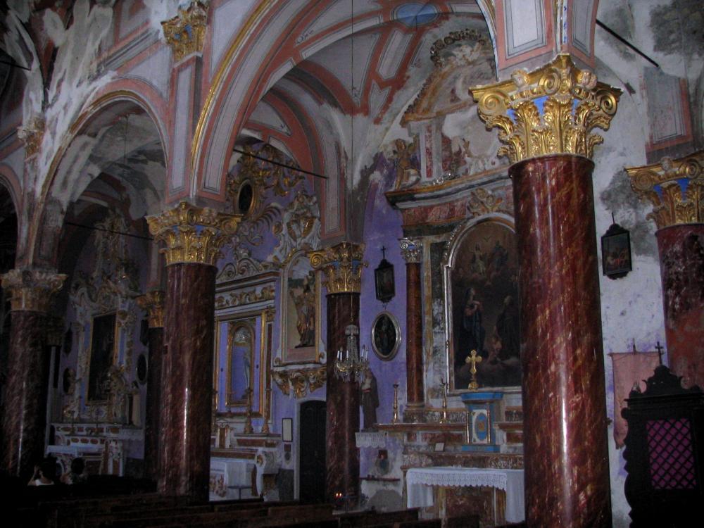 Photos saorge 24 images de qualit en haute d finition for Interieur d un couvent