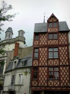 Saumur - Houses of the Saint-Pierre square among which timber-framed one and Saint-Pierre church