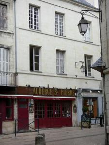 Saumur - Houses and restaurants of the old town