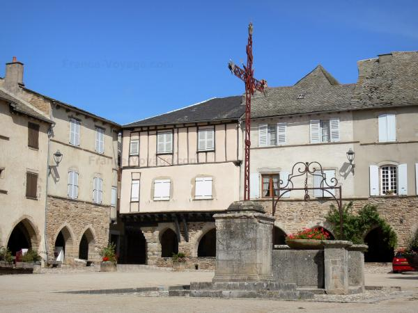 Sauveterre-de-Rouergue - Tourism, holidays & weekends guide in the Aveyron