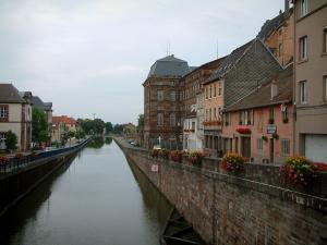 Saverne - The Marne to Rhine canal, houses and part of the Rohan castle