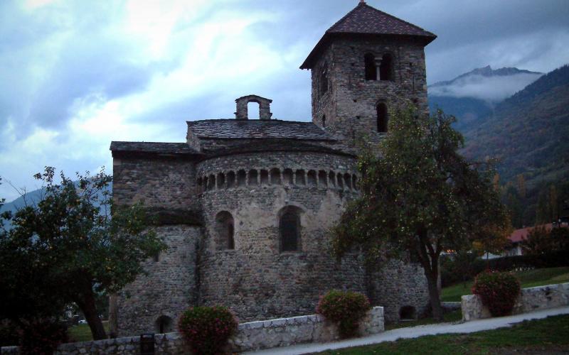 Basilique d 39 aime 3 images de qualit en haute d finition for Architecture romane definition