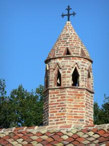 Savoyard Bresse - Saracen chimney of Grange du Clou (Bressan farmhouse); in Saint-Cyr-sur-Menthon
