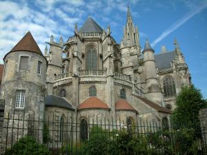 Senlis - Notre-Dame cathedral (Gothic architecture)