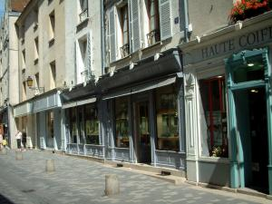 Senlis - Shops of the city