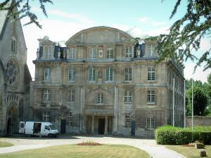 Senlis - Building of the Saint-Vincent abbey