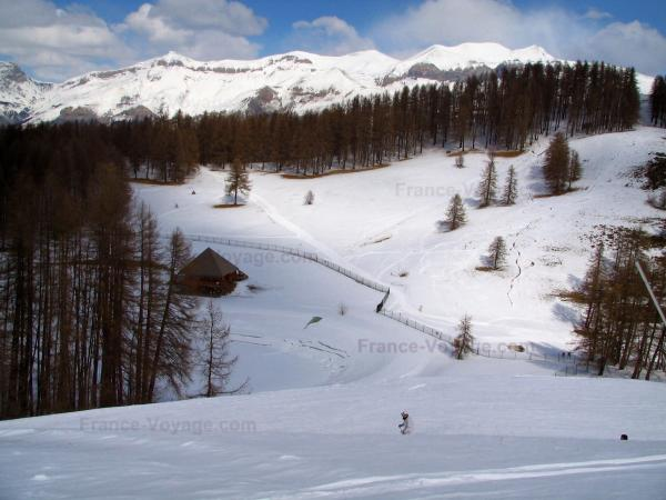 The ski resorts of Alpes-Maritimes - Tourism, holidays & weekends guide in the Alpes-Maritimes