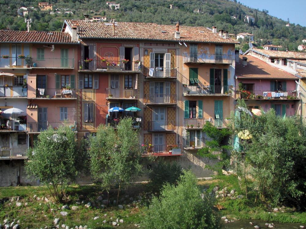 Foto sospel 6 immagini di qualit in alta definizione - Facciate di case colorate ...