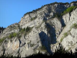 Souloise gorge - Rock faces (cliffs); in Dévoluy