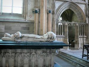 Souvigny priory - Insite the Saint-Pierre et Saint-Paul priory church: recumbent statue of Charles I, Duke of Bourbon (tomb) in the new chapel