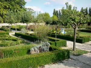 Souvigny priory - Garden of the Souvigny priory