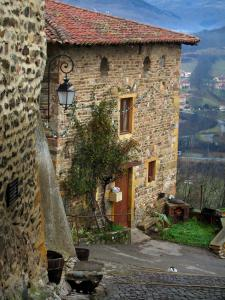 Ternand - Stone houses of the village in the Pierres Dorées (golden stones) area