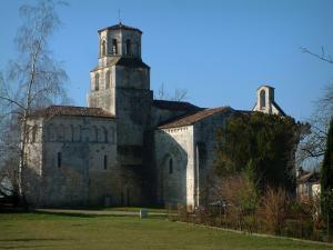 Thaims church - Romanesque church in Saintonge