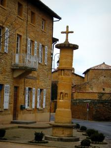 Theizé - Calvary and stone houses in the village in the Pierres Dorées (golden stones) area