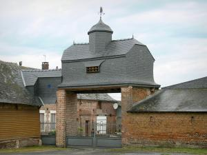 Thiérache - Porch-dovecote of a farm in Dagny-Lambercy
