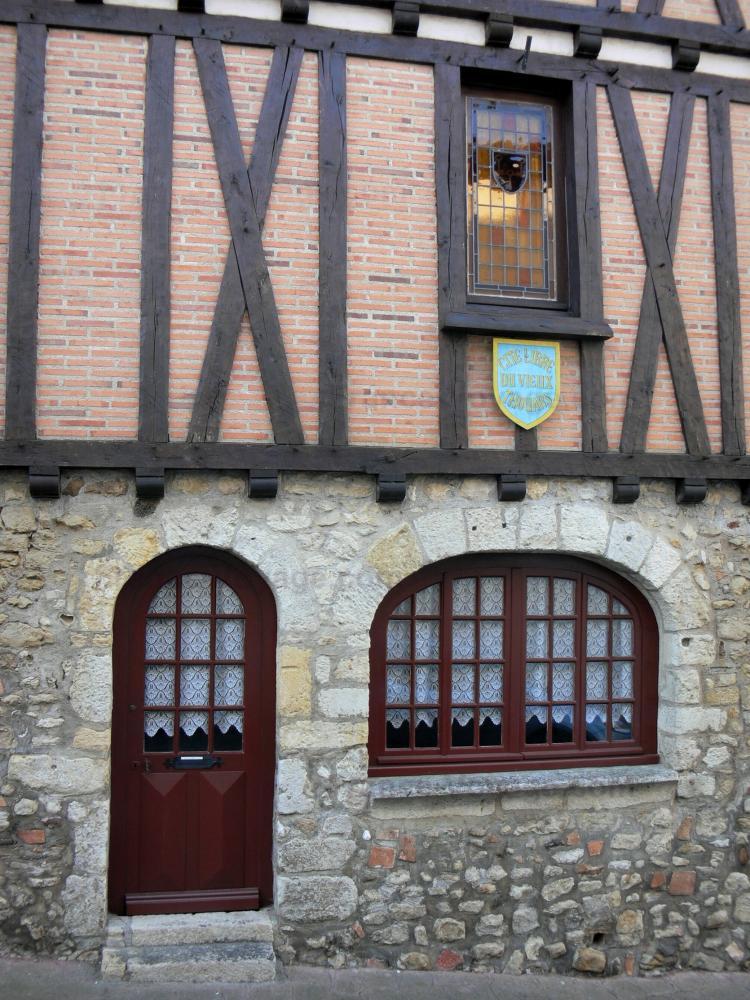 Photos thouars 29 images de qualit en haute d finition for Piscine de thouars