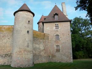 Thoury castle - Main building, tower and curtain walls of the castle; in the town of Saint-Pourçain-sur-Besbre, in Besbre valley