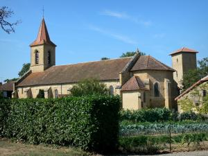 Tillac - Saint-Jacques-le-Majeur church, Mirande tower and garden