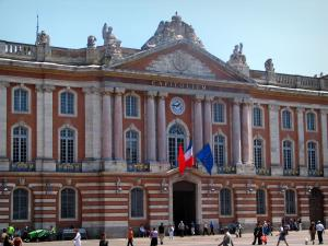 Toulouse - Capitol home to the town hall