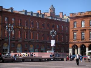 Toulouse - Buildings of the Capitole square