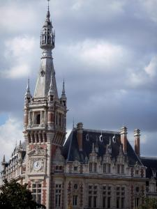 Tourcoing - Former Chamber of Commerce (building of Flemish style) and angle bell tower