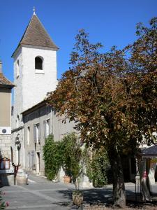 Tournon-d'Agenais - Bell tower and houses of the bastide town