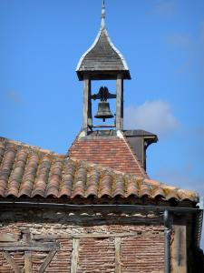 Tournon-d'Agenais - Bell in cella campanaria