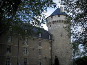 Tours - Castle: Mars pavilion and tower