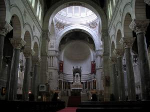 Tours - Inside of the Saint-Martin basilica