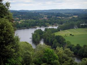 Trémolat head - Trees, Dordogne river and fields, in the Dordogne valley, in Périgord