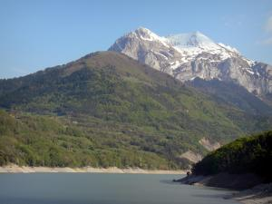Trièves - Sautet lake and snow-capped mountains