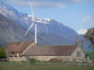 Trièves - Wind turbine, pastures and mountains