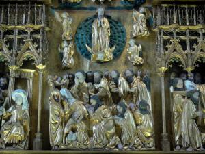 Triptychs of Ternant - Carved panel (Dormition and Assumption) of the altarpiece of the Virgin (Flemish triptych), in the Saint-Roch church