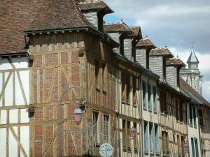 Troyes - Lampposts and line of old half-timbered houses which boast attic windows