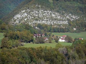 Upper Jura Regional Nature Park - Jura mountain range: houses surrounded by meadows and trees