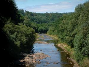 Upper Languedoc Regional Nature Park - River lined with trees