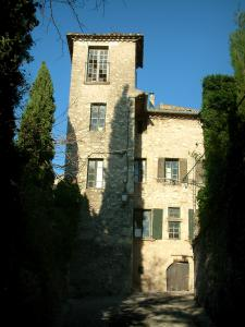 Vaison-la-Romaine - House and trees of the medieval town (high city)