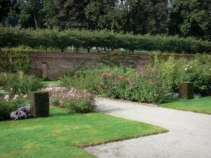 Valloires gardens - Rose garden, path and trees
