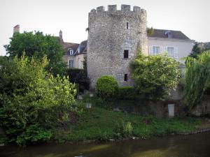 Vendôme - Islette tower and the Loir River
