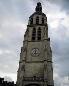 Vendôme - Saint-Martin tower (isolated bell tower) and cloudy sky