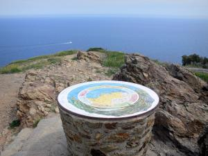 Vermilion coast - Viewpoint indicator of Cape Rédéris overlooking the Mediterranean sea